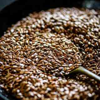 Flax Seeds are known as the world's healthiest food ingredient. Although used in many households since decades, it has only recently, like the grain quinoa, gained much acclaim for its many positive effects on health.