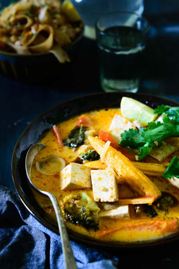 Thai Red Curry with Tofu and Vegetables - Whiskaffair