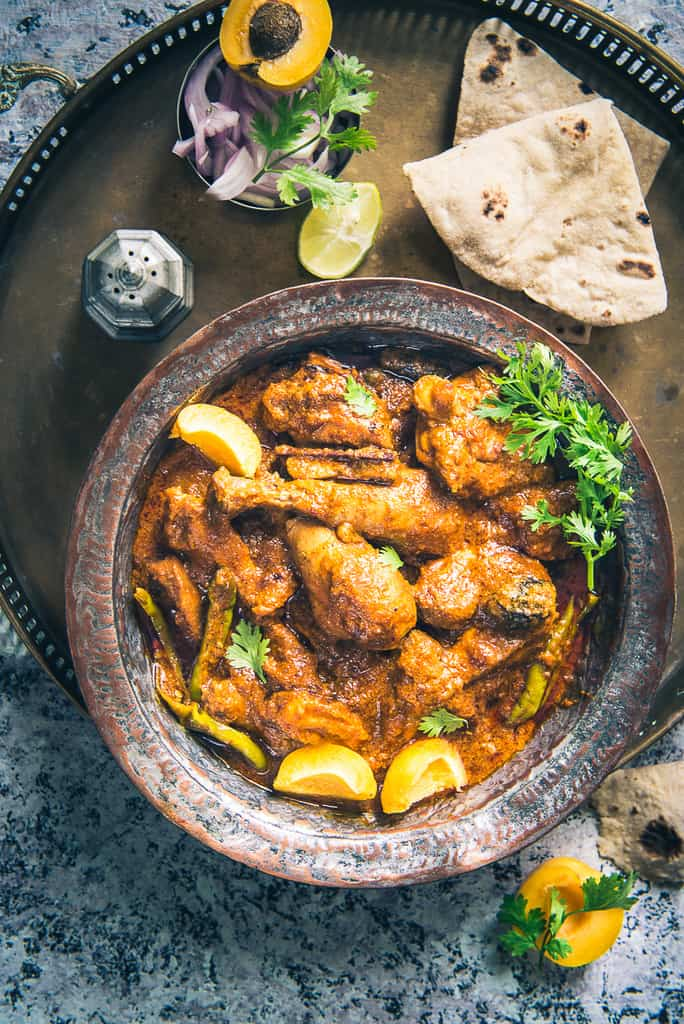 Khubani Murgh Kadhai is the perfect Indian accompaniment that will perk you up the minute you eat it! Read its recipe, now!