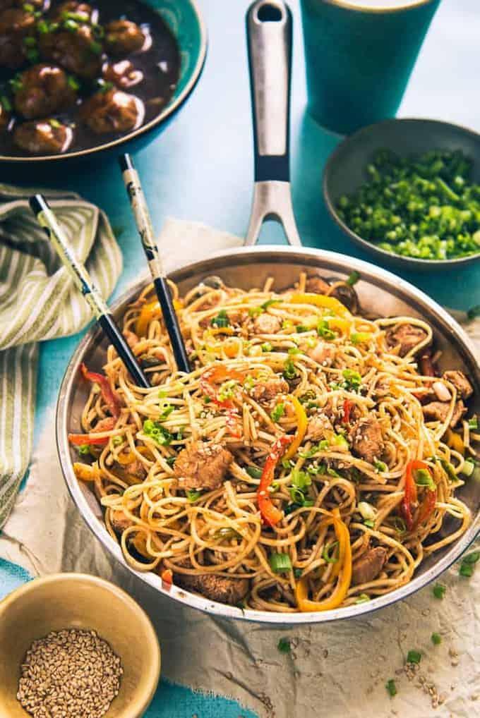 Chicken Sriracha Noodles Recipe, How to make Chicken Sriracha Noodles