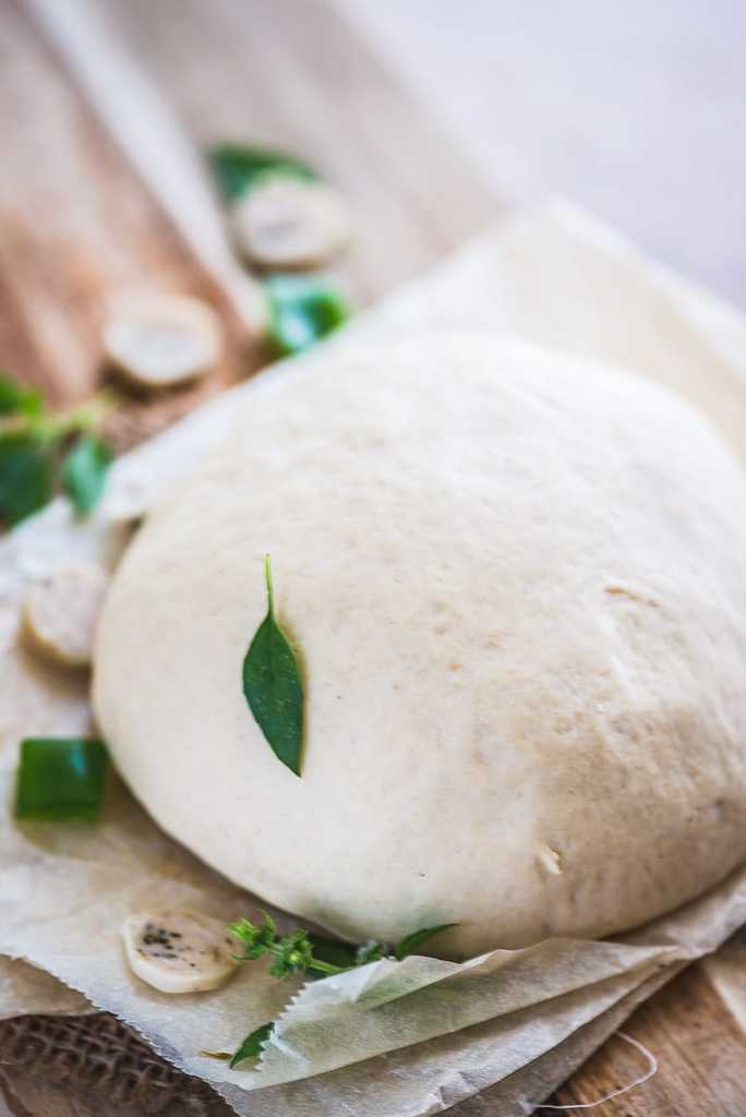 Super simple to make, Best Pizza Dough allows you to make the freshest, yummiest and filling pizza bread for all your sudden cravings!