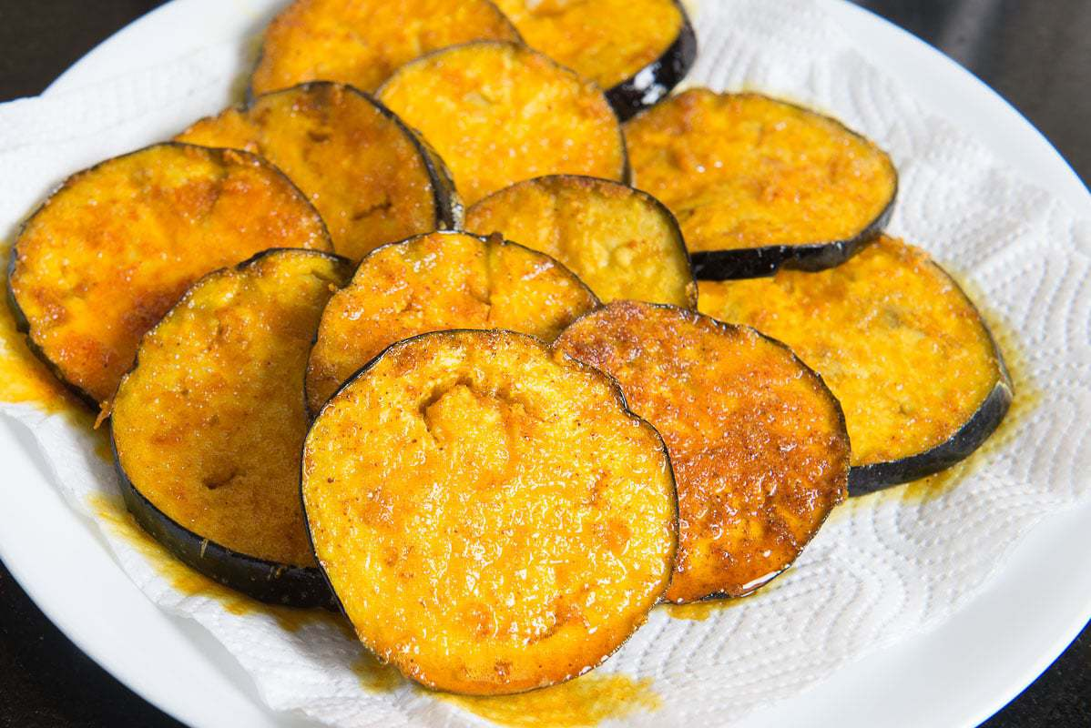 Bengali Begun Bhaja Recipe, Baingan Fry, Baingan Bhaja Recipe, baingan bhaja recipe, bengali style spiced and fried aubergines, fried eggplant bengali style, bengali brinjal recipes,