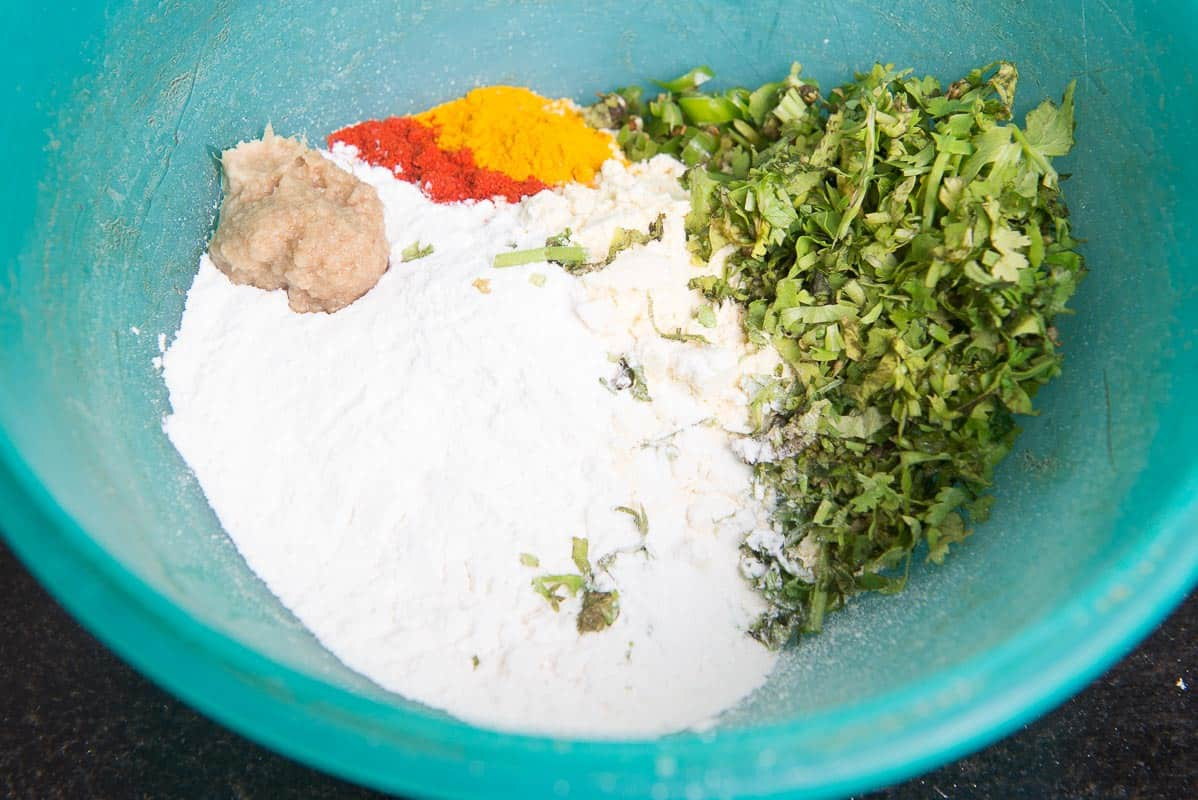 Step By Step Palak Pakora Recipe I Palak Pakoda Recipe