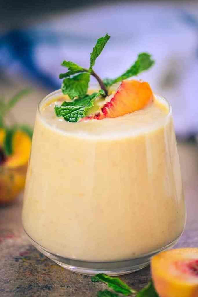 Healthy Peach Pie Smoothie, Peach Smoothie, healthy peach smoothie, peach smoothie with milk, peach smoothie with yogurt, fresh peach smoothie recipe,