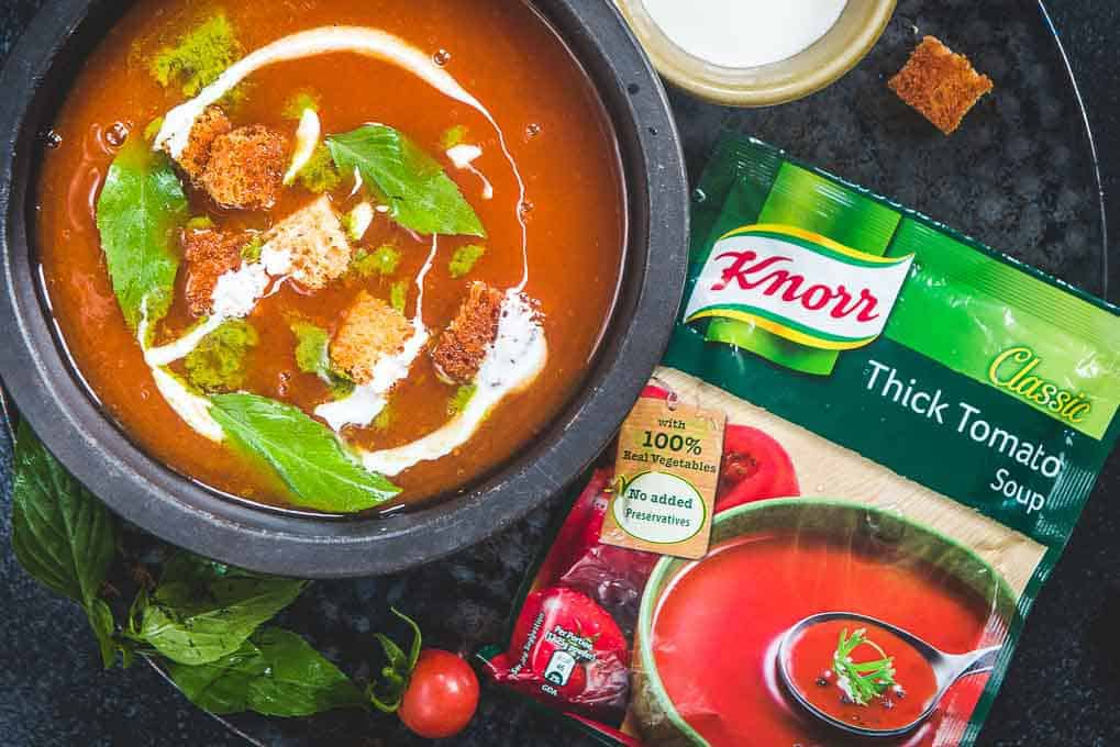 Close of Knorr Thick Tomato Soup with Basil Twist