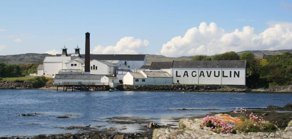Lagavulin 8yo and the 200th Anniversary release