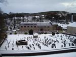 Destillerie mit Schnee
