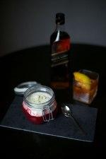 Johnnie Walker Black Label Old Fashioned und Rote-Beete-Cappuccino mit Meerrettich und weißer Schokolade