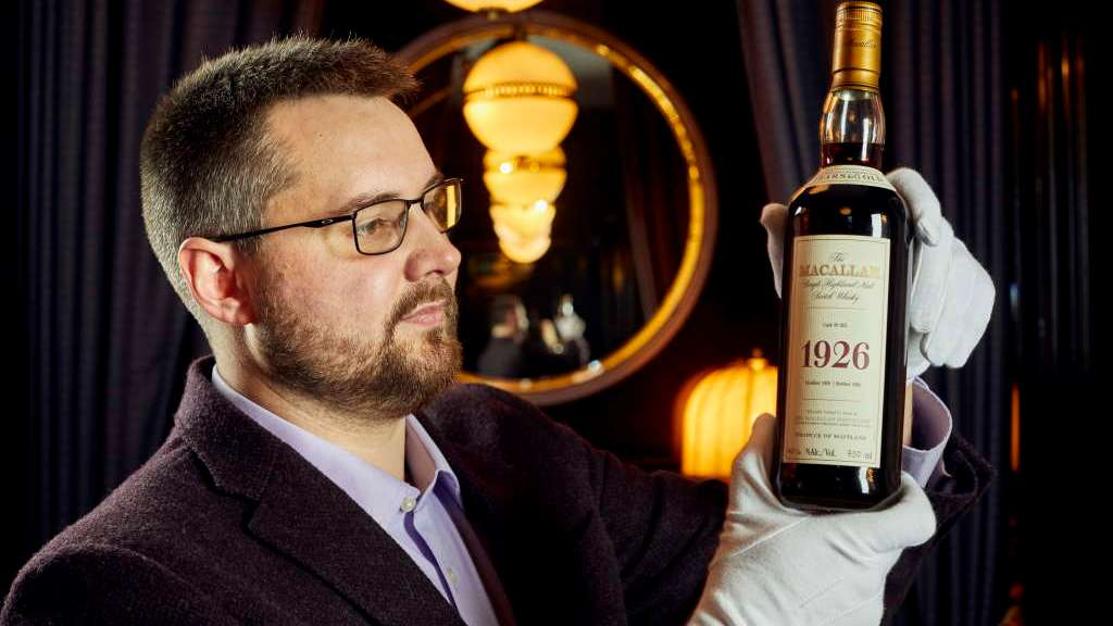 Whisky Auctioneer Founder Iain Mcclune with The Macallan 1926 Fine and Rare 60 Year