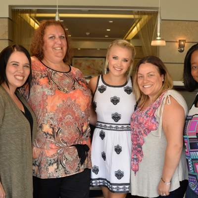 Exclusive Interview with Emily Osment of Young and Hungry #ABCFamilyEvent #YoungandHungry