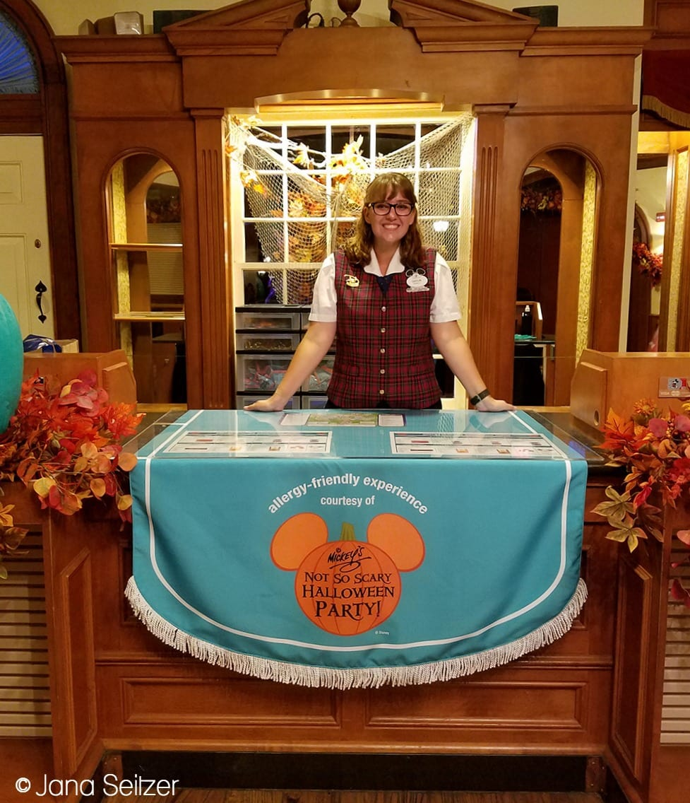 How to Have an Allergy-Friendly Treats at Mickey's Not-So-Scary Halloween Party - allergy-friendly display at MNSSHP