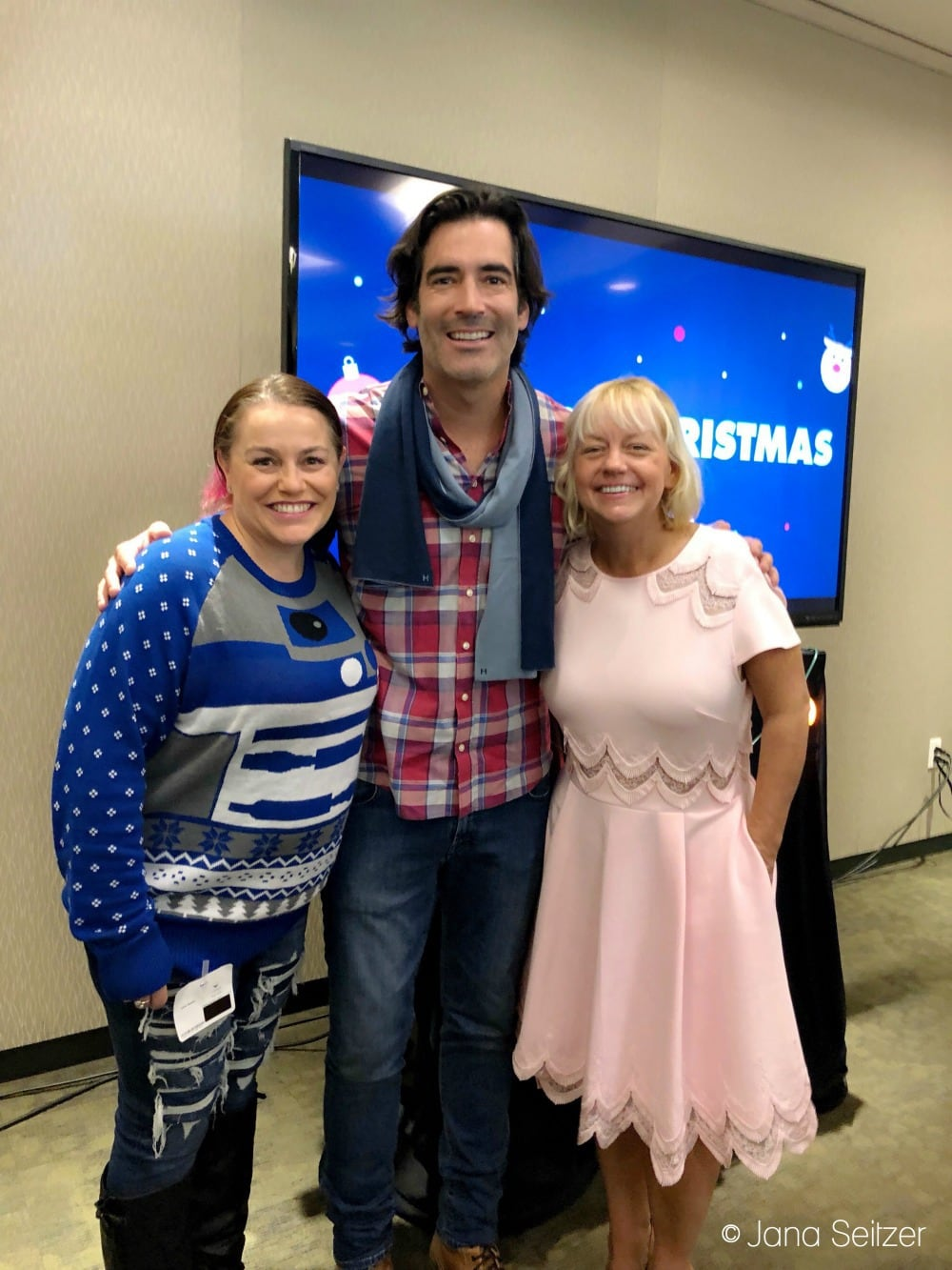 Spreading Holiday Cheer with Carter Oosterhouse and Sherry Yard - jana seitzer