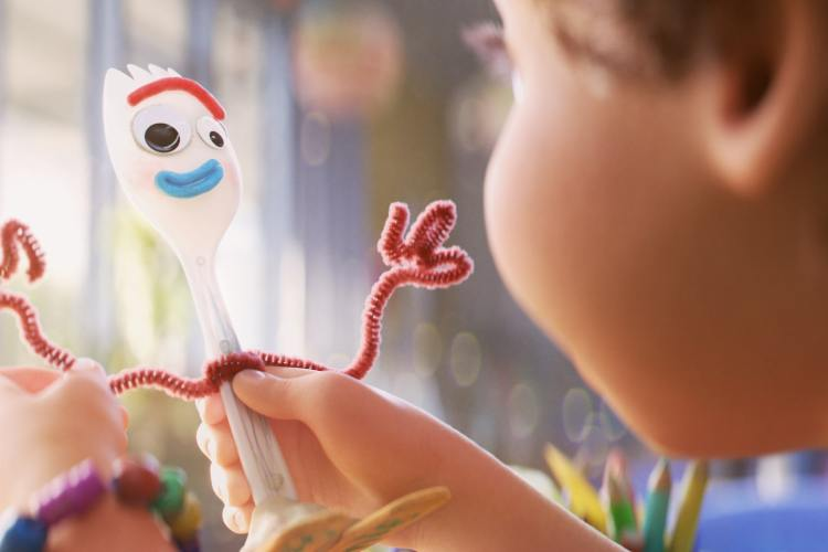 TOY STORY 4 forky's feet