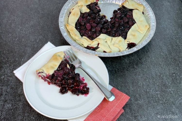 Grilled Blueberry Pie