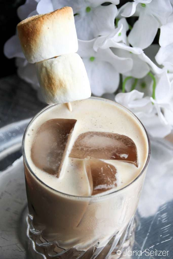 Cinnamon Toast Chocolate Chai Cocktail