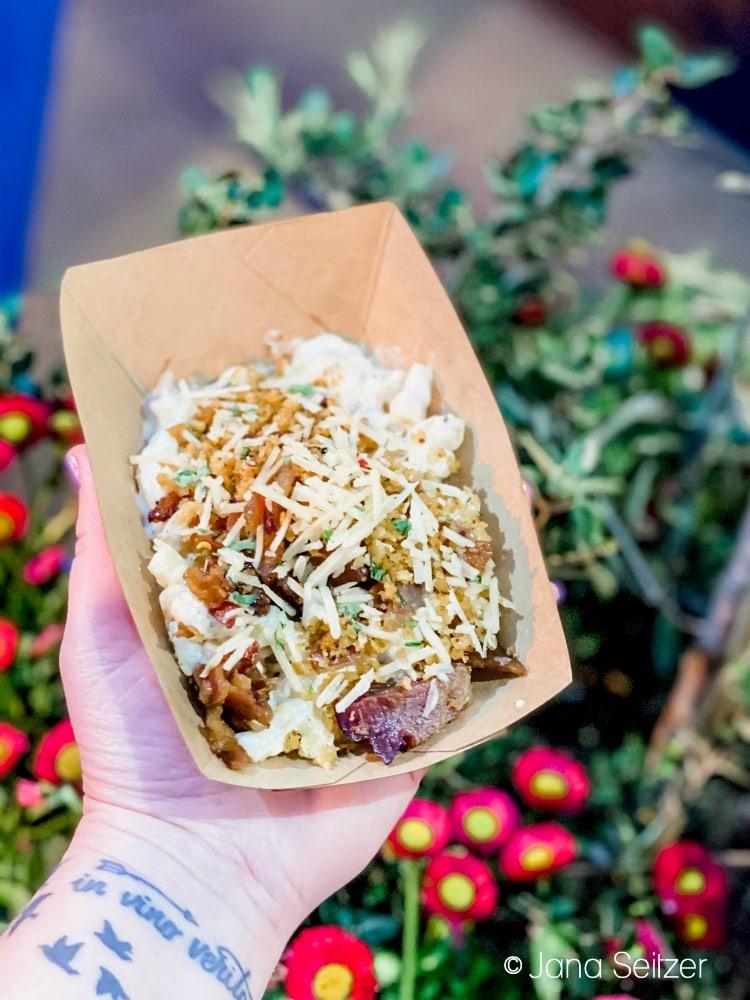 garlic mac and cheese disneyland food and wine festival