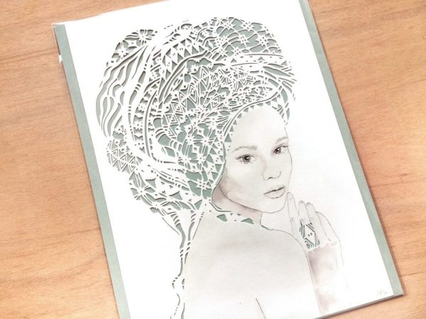 Girl with headwrap - Packaged - Detail Left