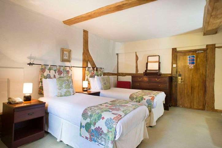 Superb 3 star hotel accommodation in the White Hart Hotel