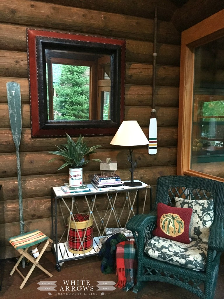 Lake house style paddles and oars white arrows home - How to decorate my home ...