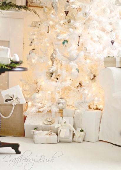 whitechristmastreepresents