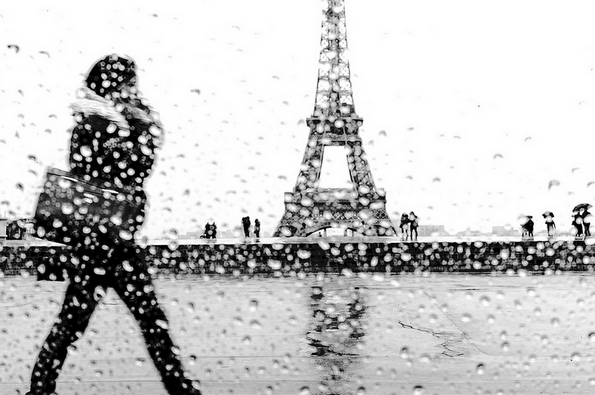 woman-walking-Eiffel-Tower-Laurent-Scheinfeld