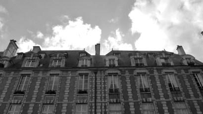 White-Cabana-Place-des-vosges-Paris-5