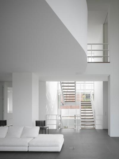 Luxembourg-House-Richard-Meier_3-400x534