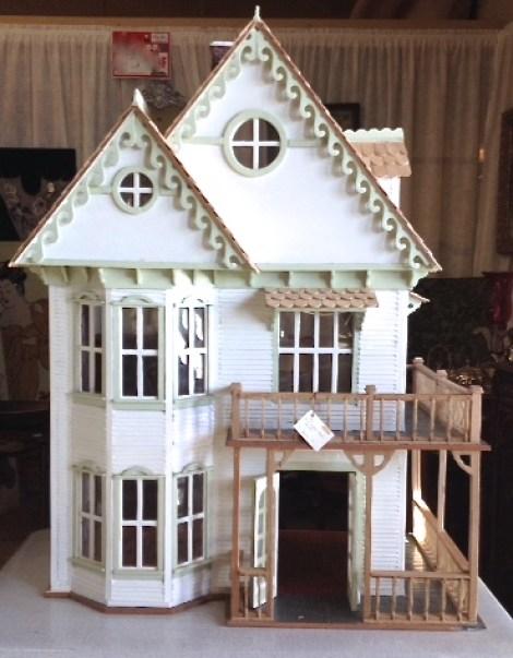 White-Cabana-dollhouse-3