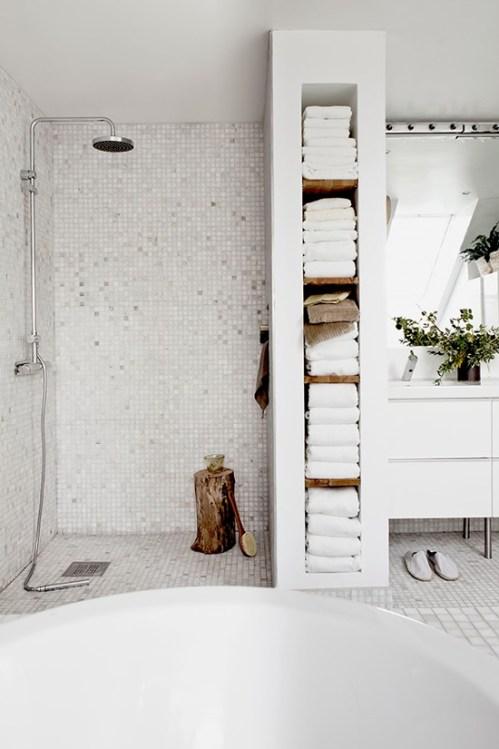 my-paradissi-house-of-my-dreams-white-bathroom-daniella-witte