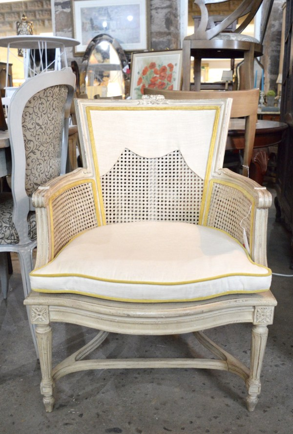 White-Cabana-Chair-Table-Lamp-8
