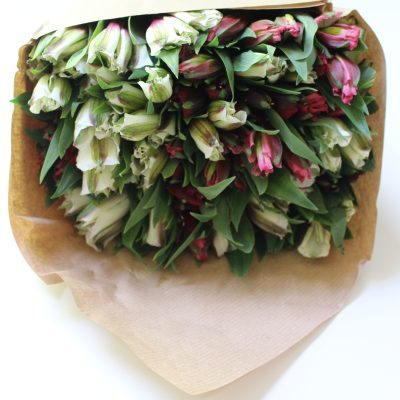 Beautiful Bouquet from Bloomsy Box by www.whitecottagehomeandliving.com