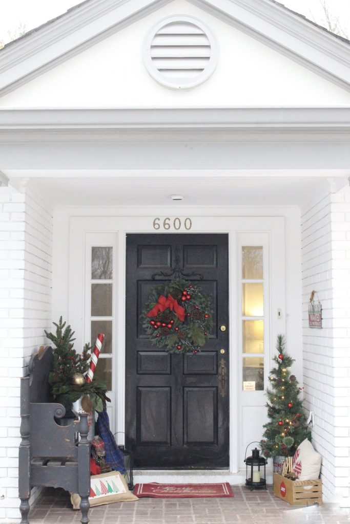 small porch- decor- porch decorating- Christmas decor on a porch- decorating a small porch- wreath- Lynch Creek Farm- real wreath- seasonal decor