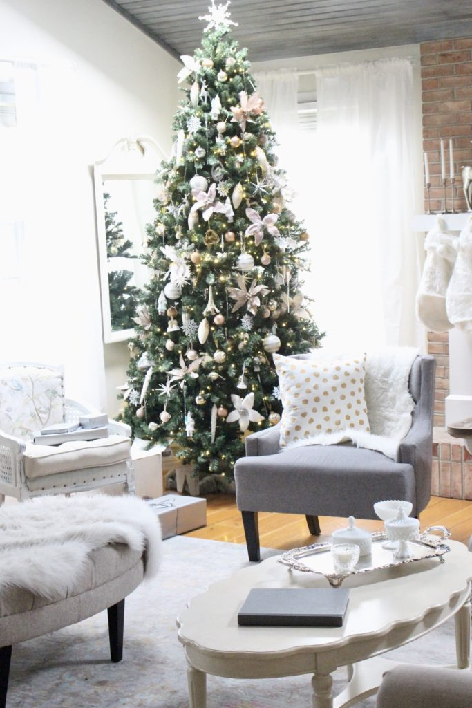 Christmas in the Family Room- Christmas Mantel- white and silver Christmas- holiday decor- holiday decorating- family room decor- seasonal decorating - classic holiday decor- Christmas tree- gray and white Christmas- winter wonderland Christmas
