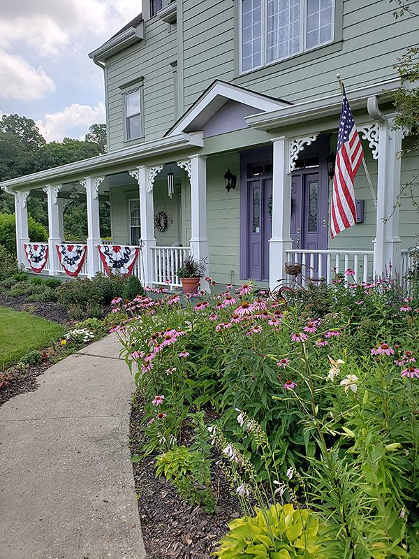 White Garden Inn