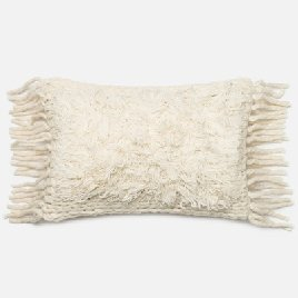 The best farmhouse pillows and how to style them www.whitepicketfarmhouse.com