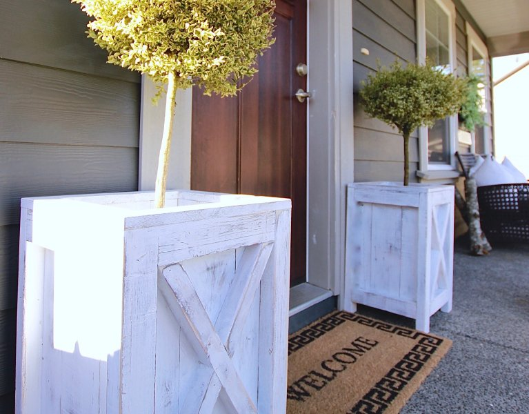 Farmhouse Patio Planters