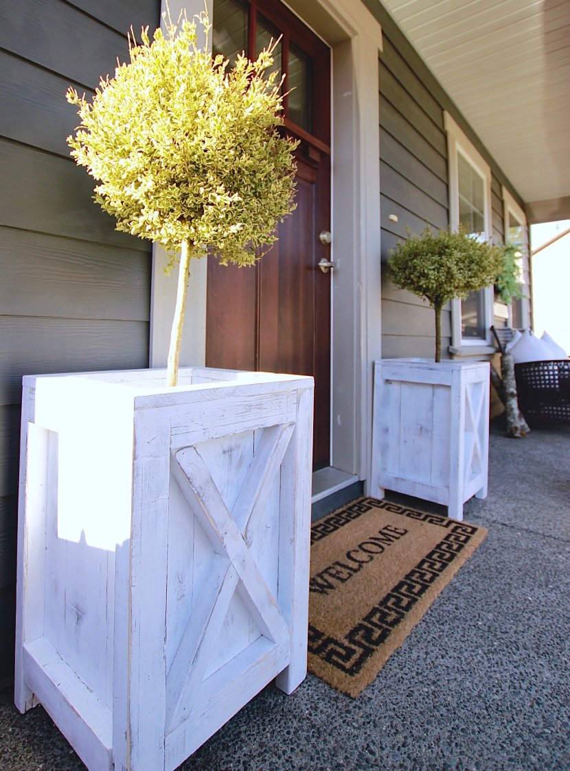 Our Farmhouse Patio Planters for our boxwoods www.whitepicketfarmhouse.com