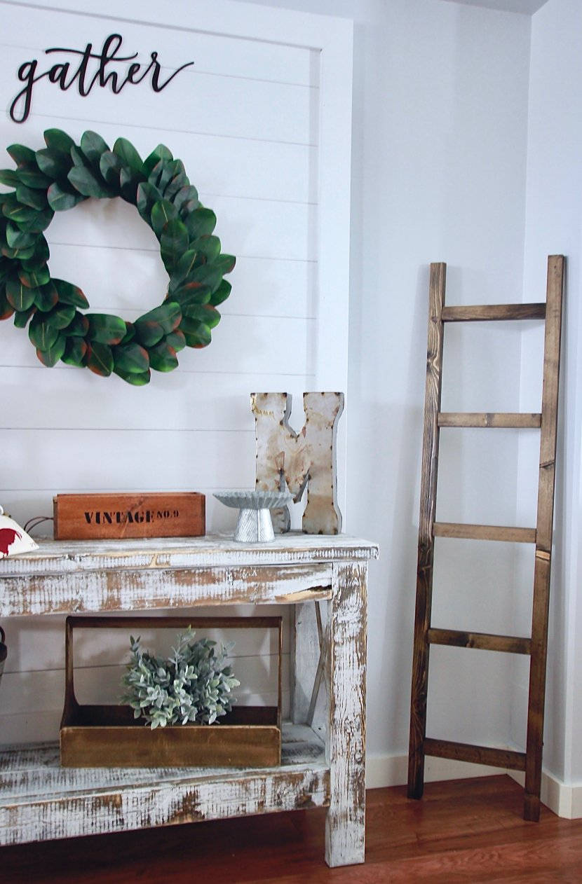 DIY Shiplap Wall hanging Sign www.whitepicketfarmhouse.com