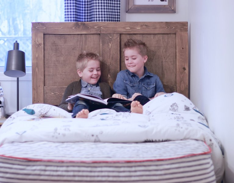 Washabelle, the first washable mattress for kids that pee the bed, spills and damage. Full review on what our boys think of their new mattresses, comfy kids mattress