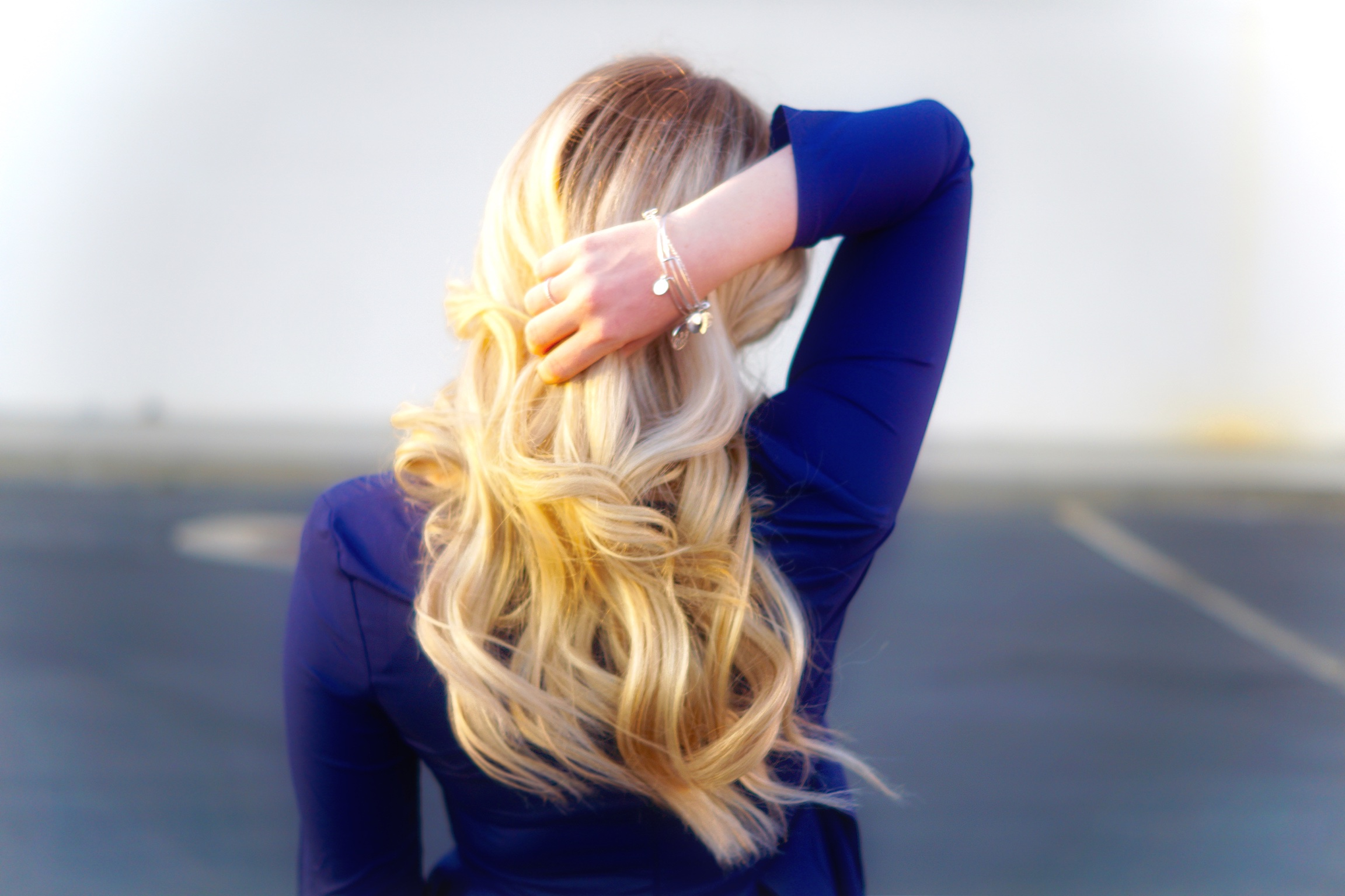 Halo hair extensions tutorial and coupon code beauty baby and a i love having long luscious locks but as a school teacher i dont always have time to clip in my clip in hair extensions every dayso i never do baditri Image collections