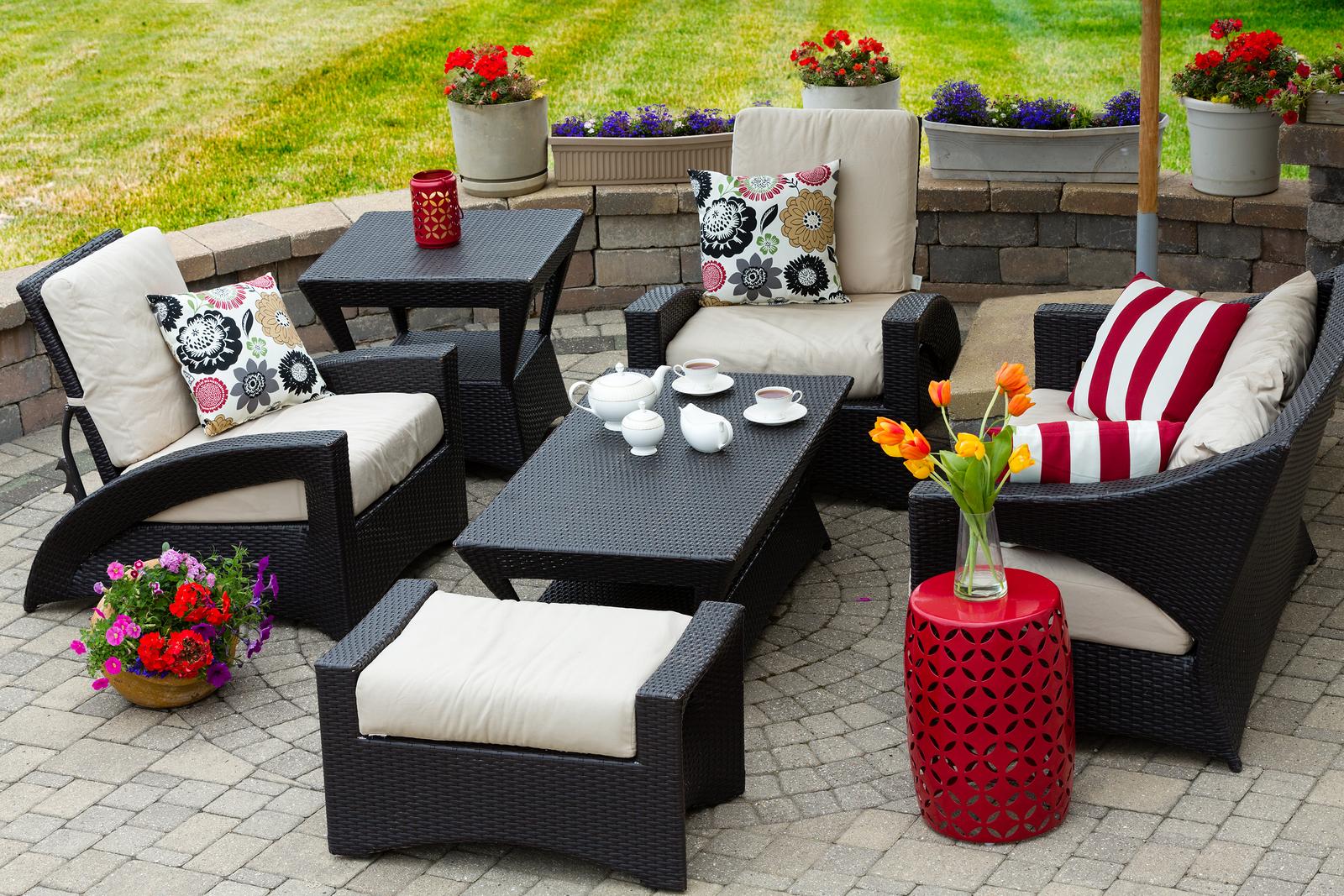 Georgia Patio & Porch Ideas for Spring 2016 on Black And White Backyard Decor  id=29065
