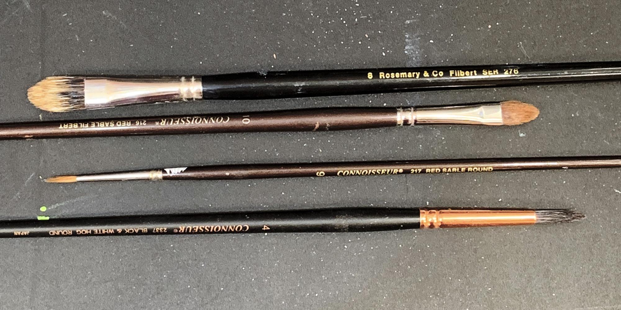 Connoisseur No.6 Round Hog Bristle Long Handle Brush Black and White