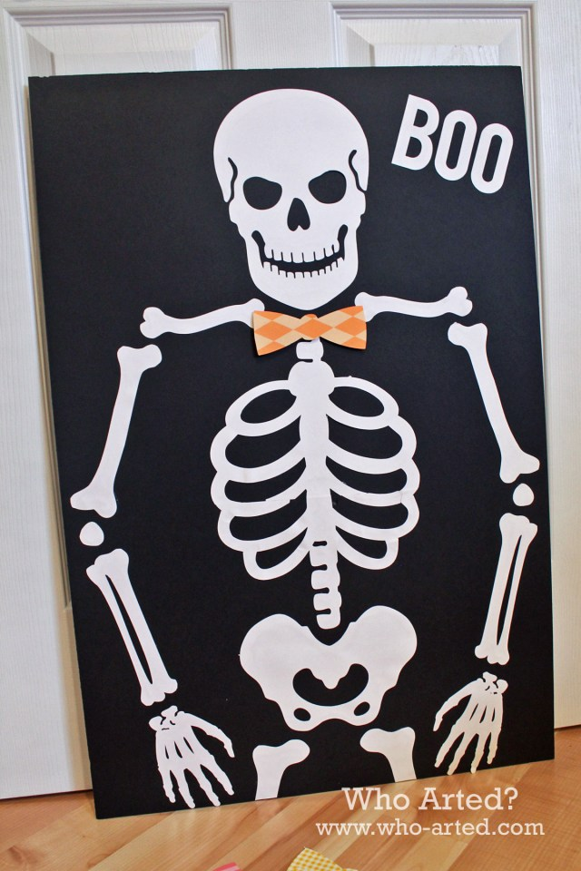Pin the Bow on the Skeleton 01