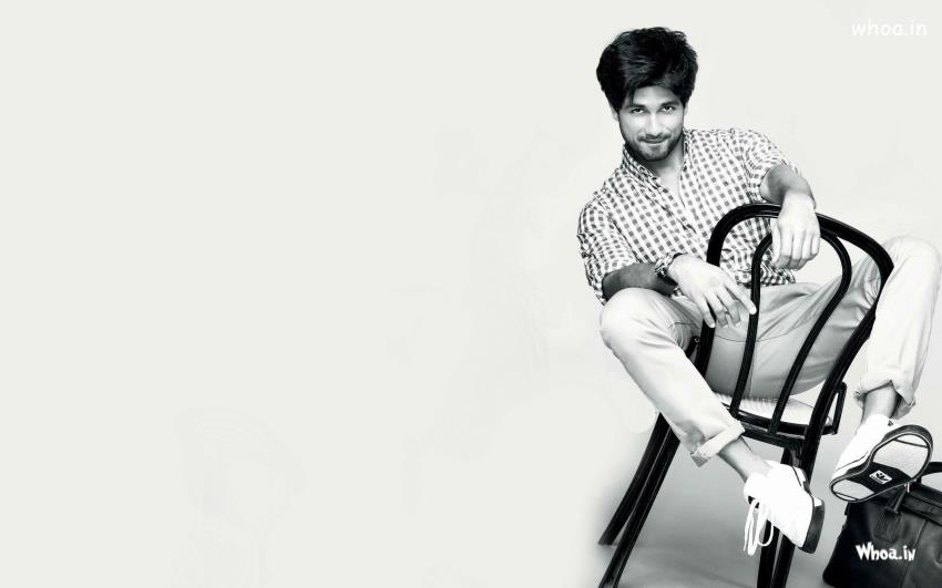 Shahid Kapoor HD Black And White Wallpaper
