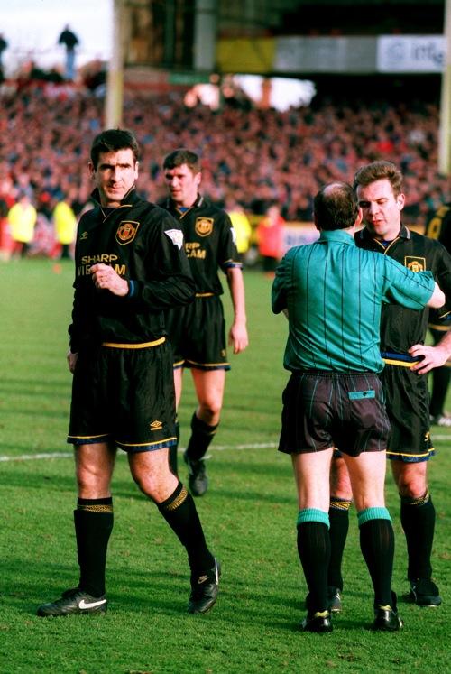 ✓ spedizione gratuita disponibile per. My Favourite Kit: Manchester United 1993-1995 (Black And ...