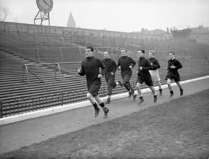 Soccer - FA Cup - Arsenal Training - Highbury