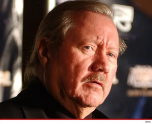 """""""Magnum P.I."""", """"Knight Rider"""" and """"Quincy M.E."""" -- has died from esophageal cancer at the age of 77"""