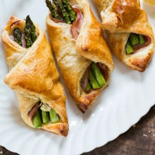 Honeyed Ricotta and Asparagus Bundles
