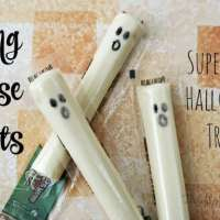 String Cheese Ghosts - Super Easy Halloween Treat