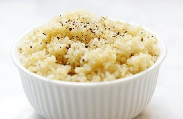 Easy gluten-free cereal recipe with quinoa in the morning